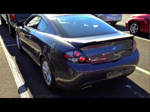 2007 Hyundai Tiburon GS 2.0L Start Up, Quick Tour, & Rev With Exhaust View - 82K