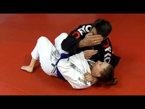 Jiu Jitsu Techniques - Side control attacks or 100 kg attacks PART 1