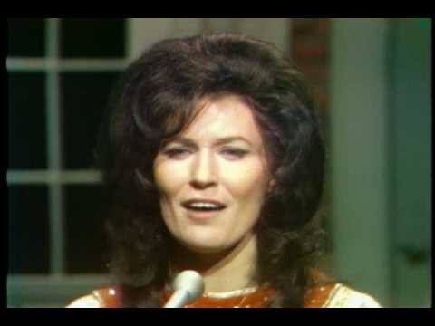 Loretta Lynn - In the sweet bye and bye
