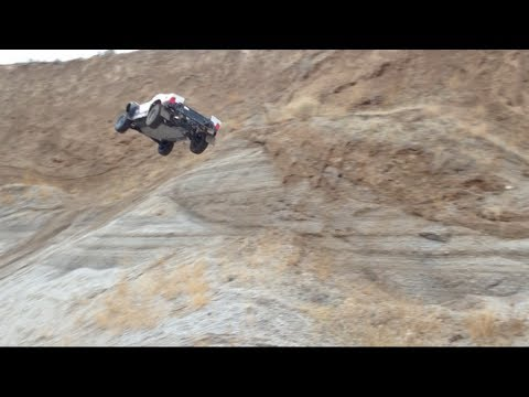 Losi 5ive T jumps, hillcimbing and general abuse