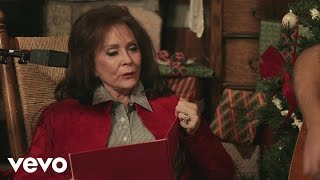 Loretta Lynn - To Heck with Ole Santa Claus (Live Performance)