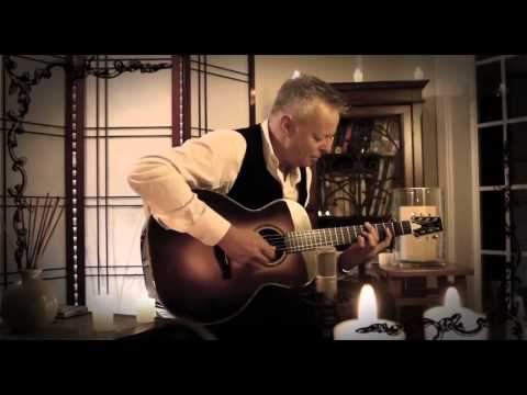 Tommy Emmanuel - One Christmas Night