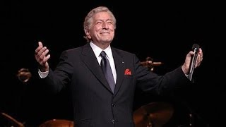 Watch Tony Bennett O Christmas Tree video