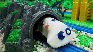 Trains Toys for Kids | Thomas and Friends Toy Trains There is a ghost in the cave.