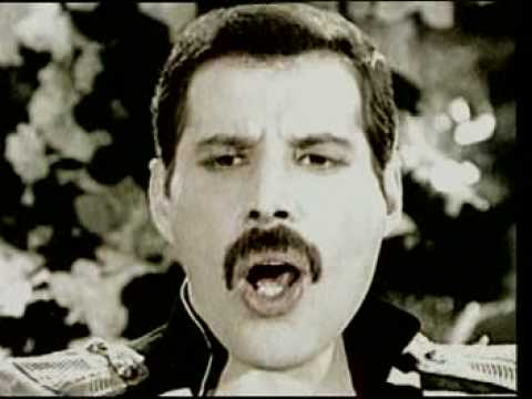 Freddie Mercury - Living on my own [Lyrics]