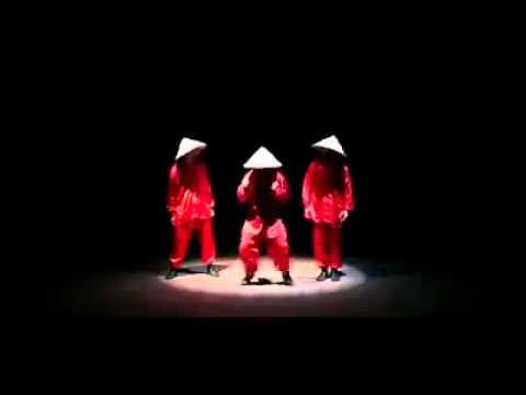 Asombroso acto de chinos bailarines