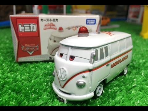 【Carro de brinquedo】Carros Disney Filmore Volkswagen AG AMBULANCE Carros Miniaturas 00554+pt