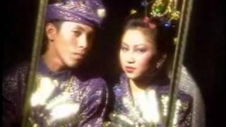 download lagu Lestari - Airmata Dihari Persandinganmu gratis