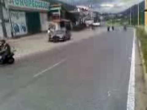 piques de moto en santa cruz (los locos de tovar)