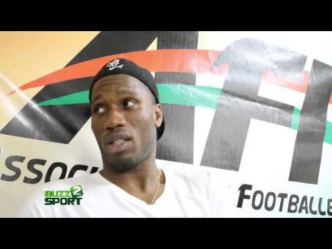 DIDIER DROGBA parle aux footballeurs ivoiriens