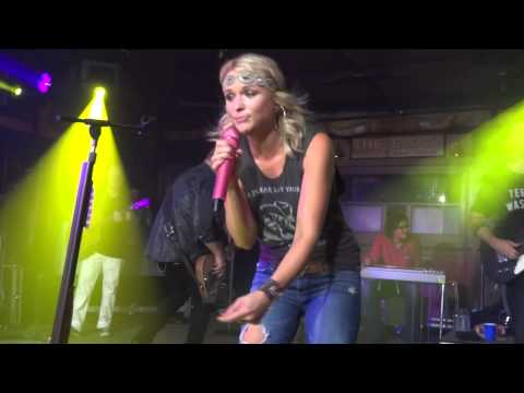Miranda Lambert Baggage Claim Fort Walton Beach Florida The Block 06   14   2014 video