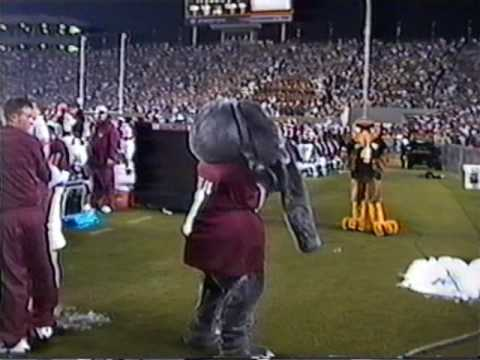 Seymour vs Big Al - Mascot Fight - Southern Miss vs Alabama 2002 Video