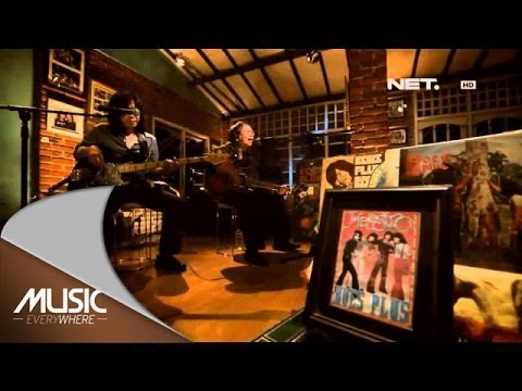 Koesplus - Lonceng Kecil - Music Everywhere Netmediatama video