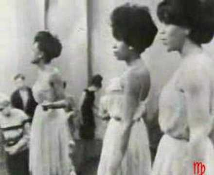 The Supremes is listed (or ranked) 10 on the list The Top Pop Artists of the 1960s