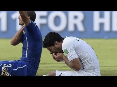 Suarez Takes A Chunk Out Of Chiellini