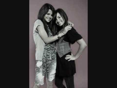 Demi Lovato & Selena Gomez friendship photo slideshow