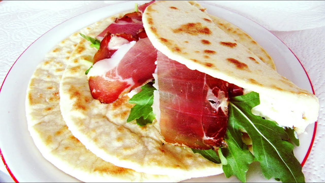 How to make Italian Flat Bread (Piadina Romagnola): easy video recipe ...
