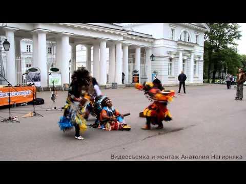 26-е мая, 2013 СПб. Елагин остров. Фестиваль уличные театров.