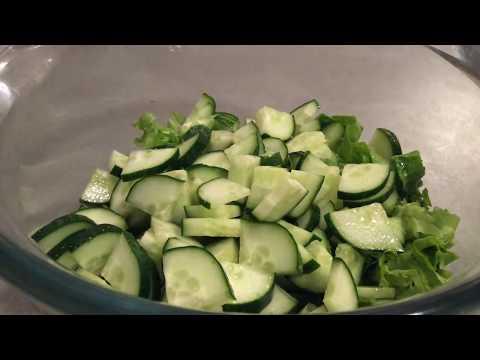 Простой салат с салатом)