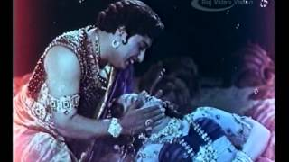 Nadodi Mannan - Nadodi Mannan Full Movie Part 7