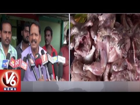 Municipal Officials Raids On Taj Hotel In Rajanna Sircilla, Warns Over Shabby Food Storage | V6 News