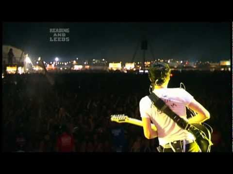 Muse - Invincible live  Reading Festival 2006 HD
