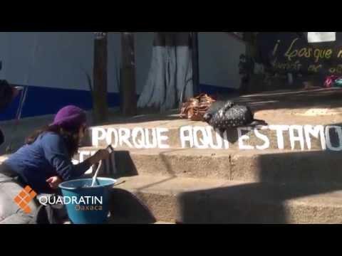 Pintan escaleras del fortín normalistas en apoyo a Ayotzinapa