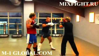 Fedor and Alexander Emelianenko trains muay-tay