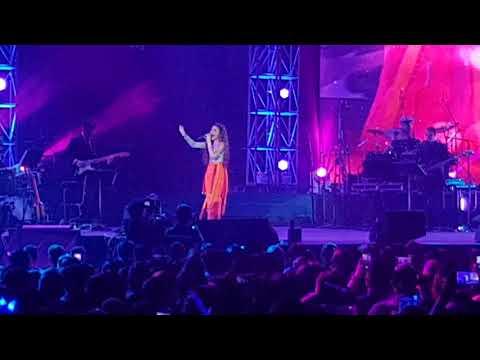 Morissette performs Naririnig Mo Ba at Morissette Is Made Concert