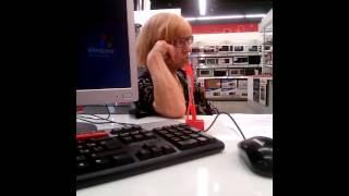 Клиентка Альфа-Банка звонит на горячую линию))