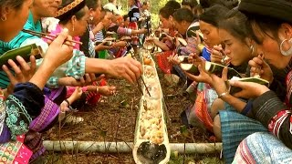 Unique bamboo banquet for Miao people