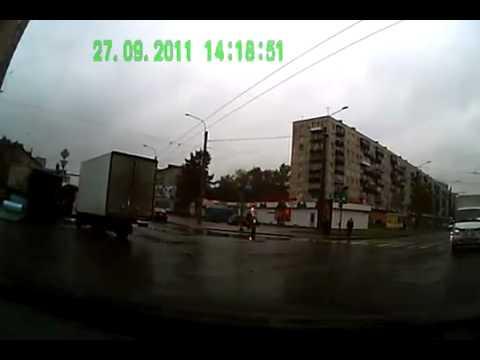 Проезд на красный свет (видео аварии на видеорегистратор)