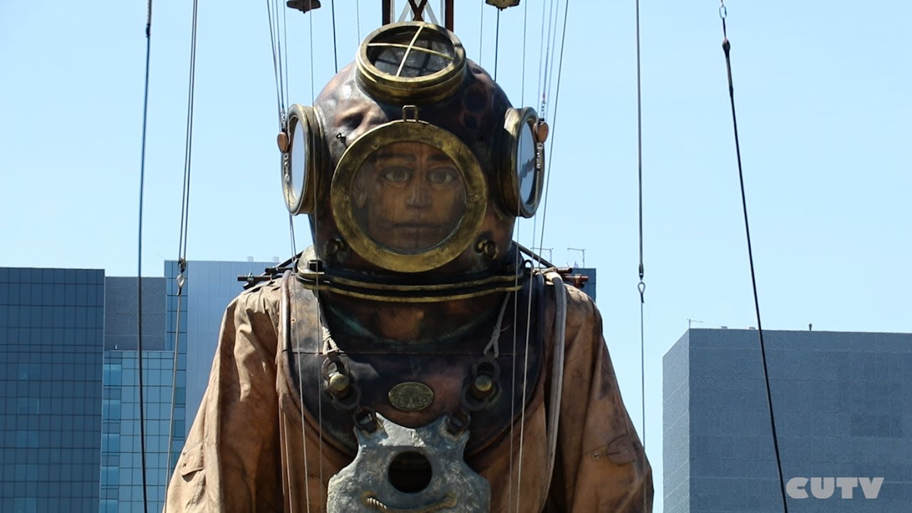 THE GIANT DEEP SEA DIVER WAKES UP