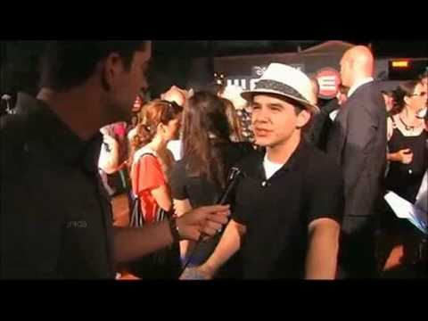 06-26 David Archuleta @ Hollywood PressTV Wall-E Premiere (21 Jun 2008)