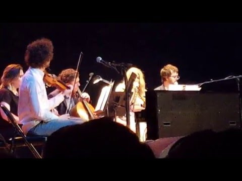 Kesha, Ben Folds & Y Music cover Dylan's It Ain't Me Babe