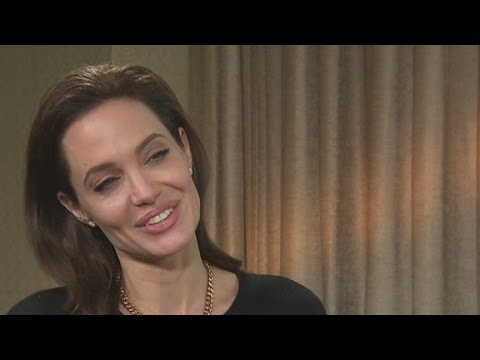 Angelina Jolie takes on directing role