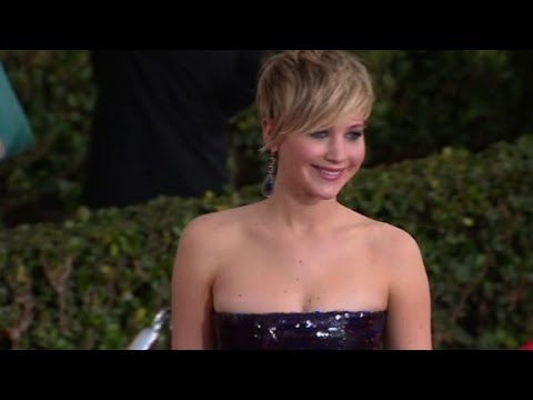 Jennifer Lawrence My Dress Is Squeezing My Breasts YouTube