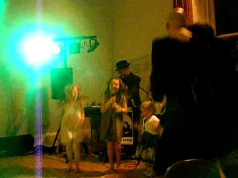 Black Eyed Peas - I Gotta Feeling by Bert & Donna's wee pals Video