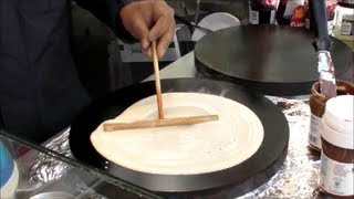 Paris & London Street Food. Making French Crepes
