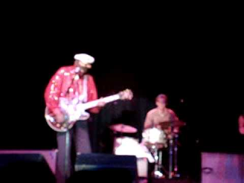 Chuck Berry - Johnny B. Goode - Live - 5/31/2009
