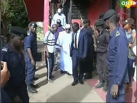 Raw: Mali Officials Visit Scene of Fatal Attack