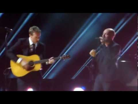 Chris Martin & Michael Stipe - Losing My Religion - 12.12.12 Concert MSG