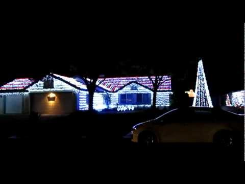 Great Christmas lights in Hemet, CA, musically controlled.