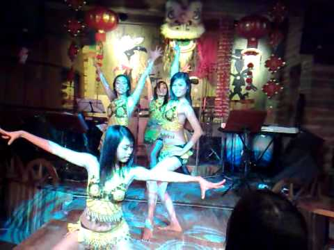 HEY SEXY LADY , I LIKE YOUR MOVE - SEXY GIRLS IN DANANG VIETNAM DA NANG 17 SEVENTEEN SALOON BAR