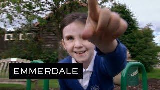 Emmerdale - Rhona Catches April Bullying Leo