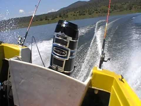 Mercury Inline Tower of Power 150hp - Holeshot test