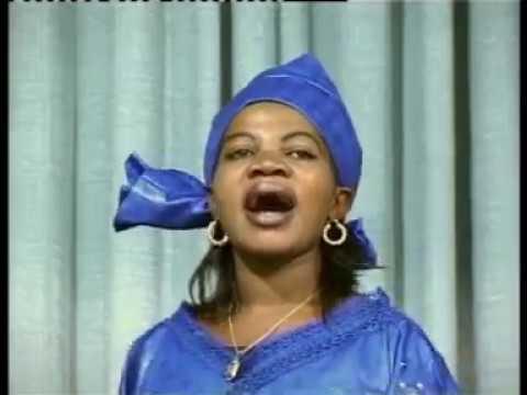 Angela Chibalonza Muliri Nitampa Nini Official Video