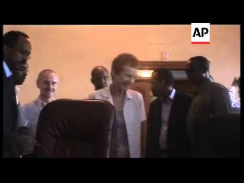 Kenya - Hostages Paul and Rachel Chandler released from Somalia