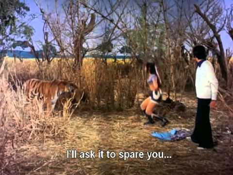 Hum Tum Ek Kamre English Subtitles