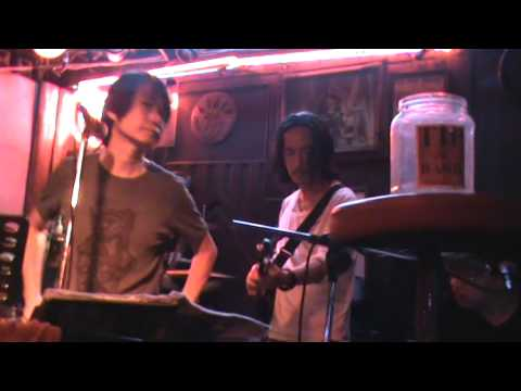 Fantastic Country Road Bar – Soi Cowboy – Bangkok – TUESDAY 18 MARCH 2014 – CAUGHT ON CAMERA